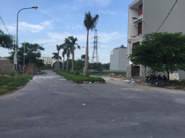 Ban-khu-dat-lien-ke-Viet-Hung-1